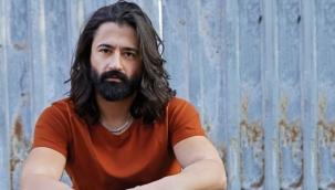 Şarkıcı Koray Avcının babası hayatını kaybetti
